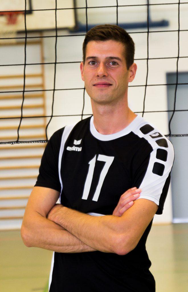 17 Alexander Herrmann Preu En Volleys